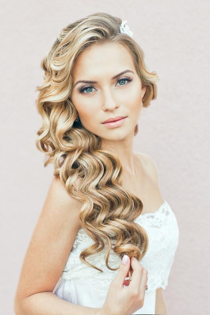 lake como star lake como wedding photographer curly-long-bridesmaids-hairstyles-for-wedding