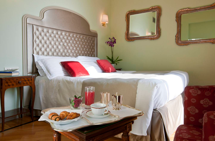 villa-flori-hotel-lake-como-superior-room-detail_2